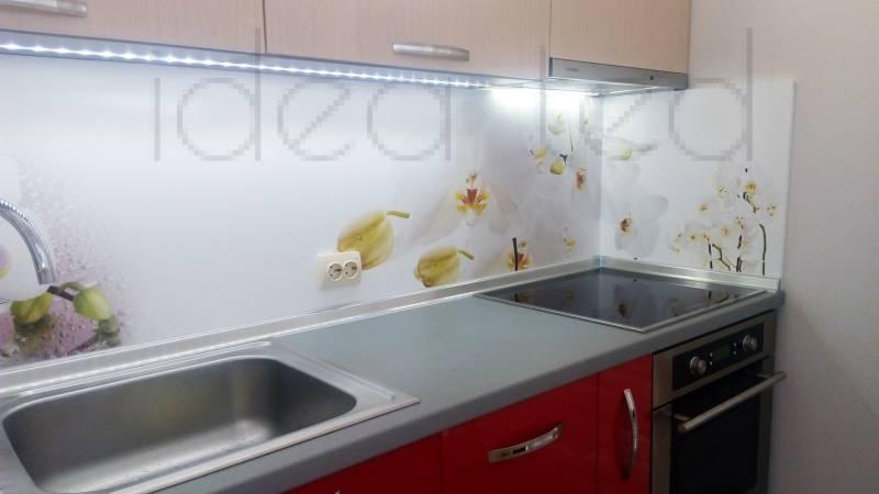 кухня с картинкой орхидеи